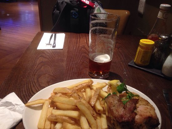 Bridge Bar and Eating House : Chicken & Chips - no salad!