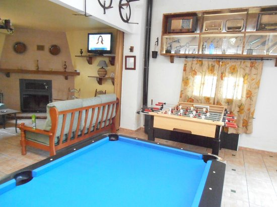 Salon Rustico Picture Of Alojamiento Rural Torre Hueca Pinos - Salon-rustico
