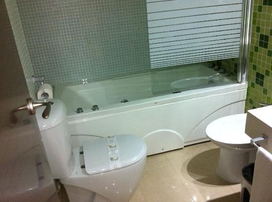 Marina d'Or Gran Duque: cuarto de baño
