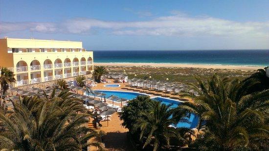 SBH Jandía Resort: Vista dalla camera su piscina e spiaggia