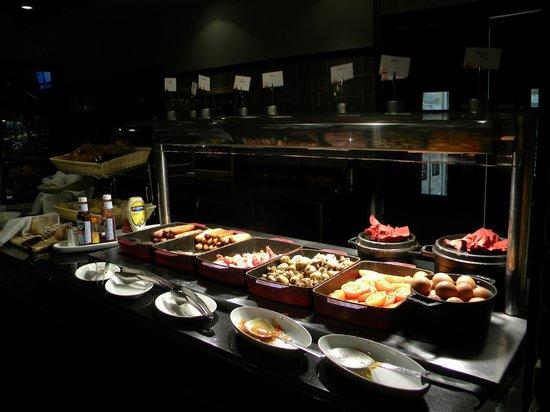 Park Inn by Radisson Belfast: Breakfast bar