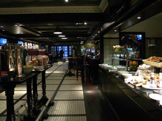 Park Inn by Radisson Belfast: Bar and restaurant area