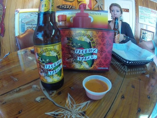 Jazzy's Mainely Lobster & Seafood Company: Local Beer :)