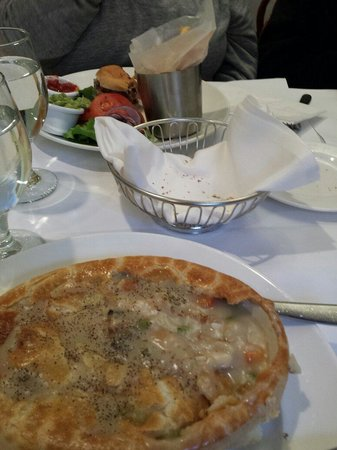 Sarabeth's Central Park South : Great Pot pie and Sirloin burger