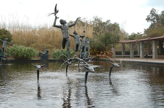 Brookgreen Gardens : Four muses in a reflecting pool