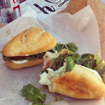 Mozzarella Fella : Late lunch, but worth it