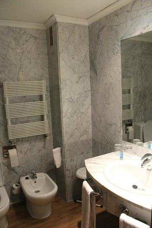 Hotel Agumar: Ванная комната