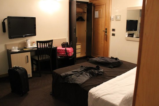 Tritone Hotel : Armario