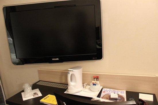 Tritone Hotel : Tv