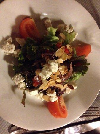 Restaurant Adelaide : Salade de chèvre frais (menu à 16€)