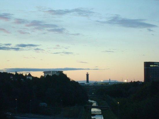 ANA Crowne Plaza Hotel Narita: sunrise-view rom my room