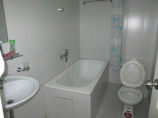 Hanoi City Hostel : Ванная