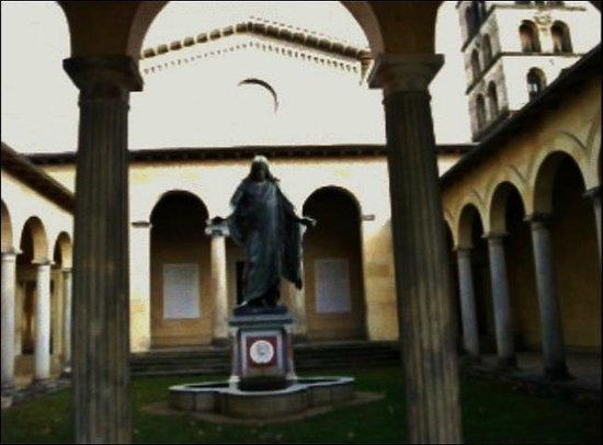 Potsdam Friedenskirche : У мавзолея