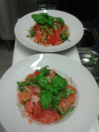 LA BOCA : Salada salmon