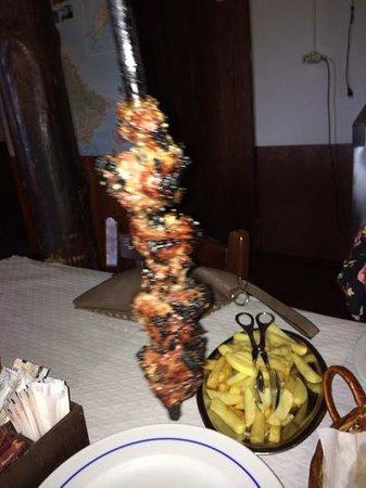 Casa de Pasto Justiniano: beef on wooden skewers