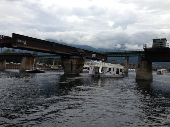 Shuswap Lake: Railway Bridge open for boat traffic. Have to wait for it to open.