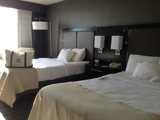 Holiday Inn Harrisburg/Hershey: beds