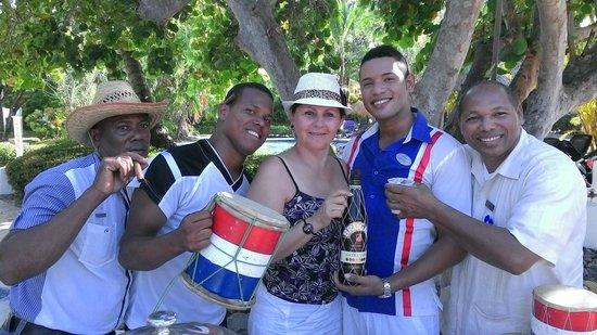 Paradisus Punta Cana Resort: con personal de servicios