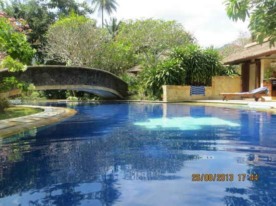 Pool Villa Club Senggigi Beach Lombok: outside our room