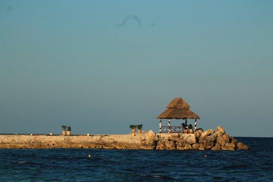 Hotel Marina El Cid Spa & Beach Resort: Have a massage out here