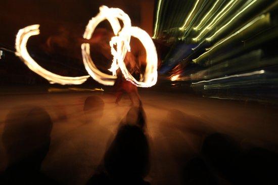 Hotel Marina El Cid Spa & Beach Resort: Fire Show