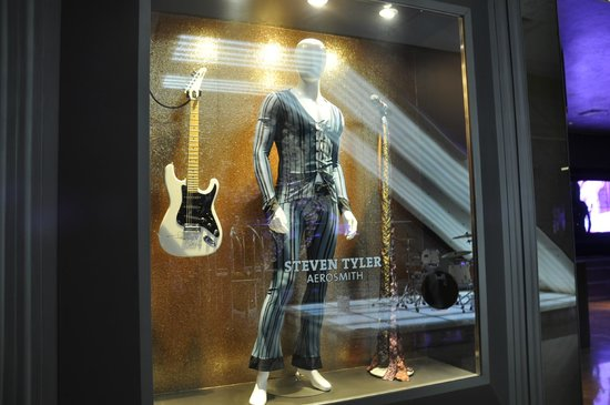 Hard Rock Hotel Panama Megapolis: Aerosmith Dress