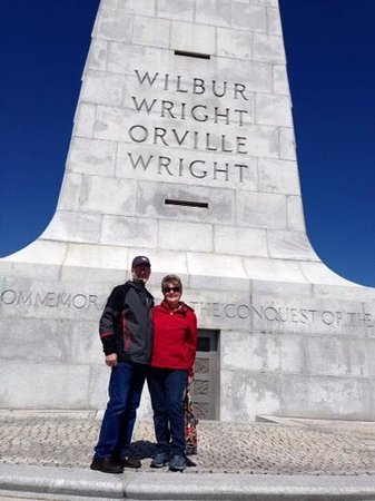 Wright Brothers National Memorial: wright brothers memorial at kitty hawk