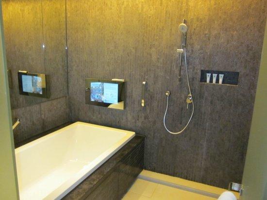 Hotel ICON: Baño