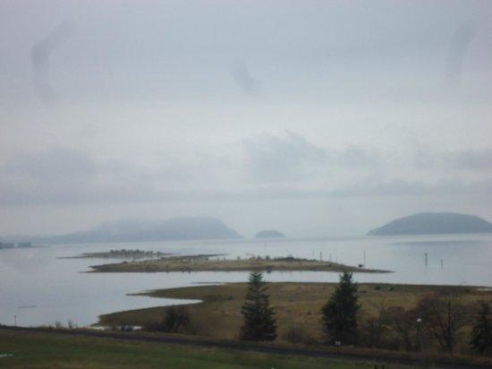 Swinomish Casino & Lodge : view on rainy day looking northwest