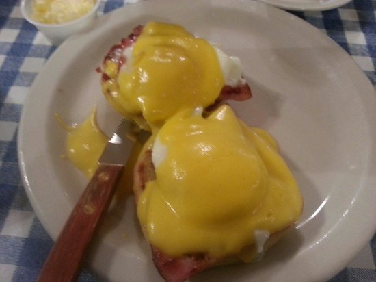 Blue Plate Cafe Downtown : Eggs Benedict