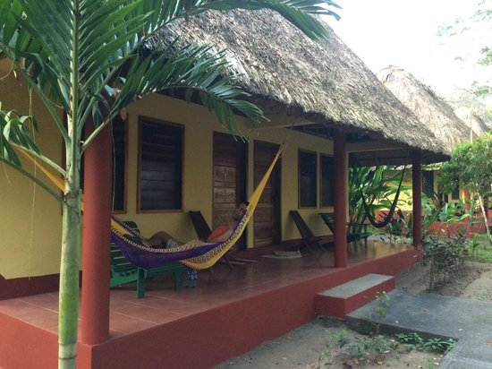 Crystal Paradise Resort : Thatched Cabana
