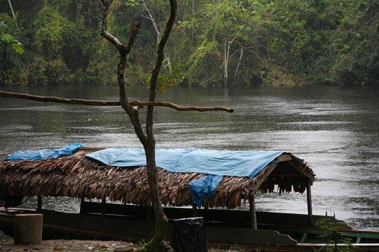 Ivy Mara Ey Lodge: contemplando la pioggia