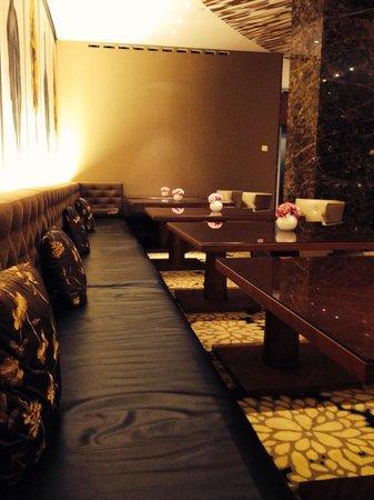 The Ritz-Carlton, Vienna: Hotel café lounge