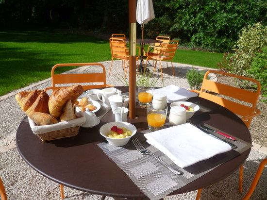 Le Clos des Tilleuls : Home made breakfast