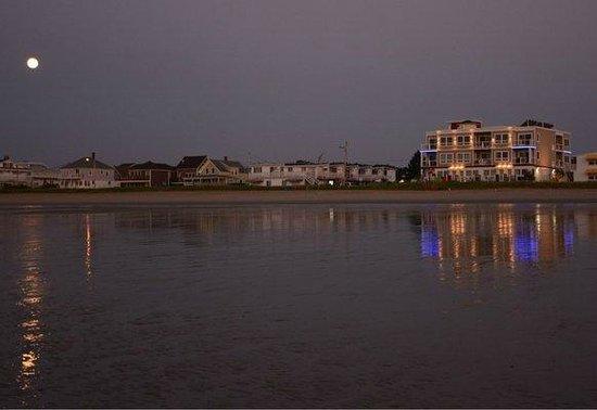 Alouette Beach Resort: Alouette Sunrise Suites from the ocean