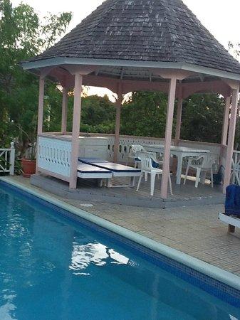 Silver Sands Vacation Villas: Gazebo