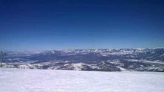 Aspen Snowmass: View from Cirque (top of mountain 12510 ft.)