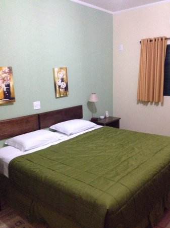 Maria Plaza Hotel : Quarto