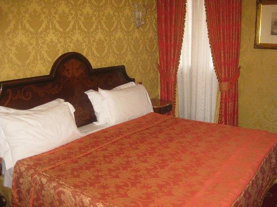 B4 Bellini Venezia : chambre grand lit