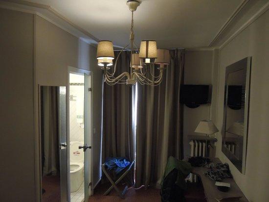 Hotel Saint Pierre : habitacion pequeña