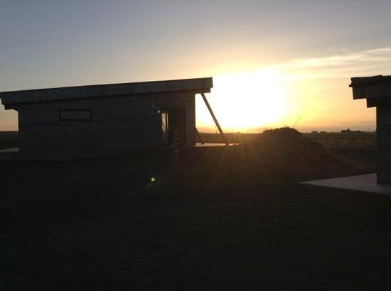 Natural Retreats John O'Groats : a beautiful sunset at the side of lodge 20