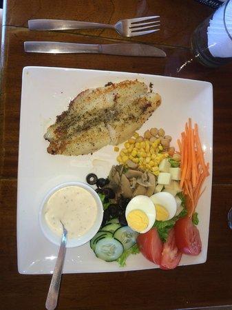 Hotel Vista de Olas : lunch/fish and salad