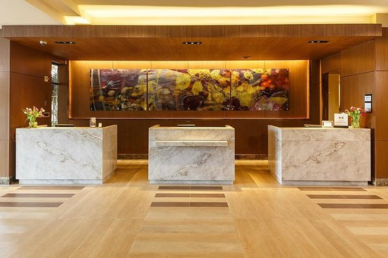 DoubleTree by Hilton Hotel Irvine - Spectrum : Guest Service Desk