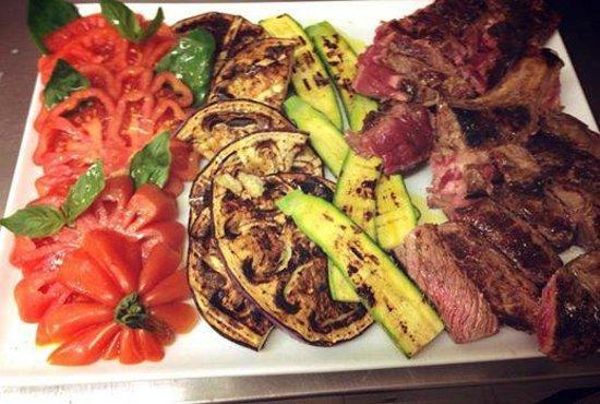 Pucci Restaurant : Cote de boeuf Black Angus et ses legumes frais grillés