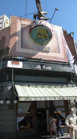 A Great Historic Cafe in Recoleta