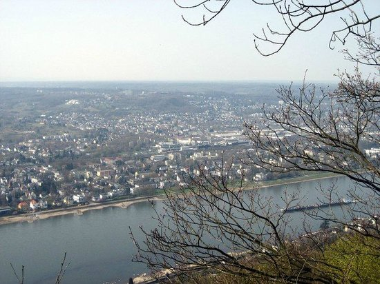Drachenfels: Ausblick auf den Rhein