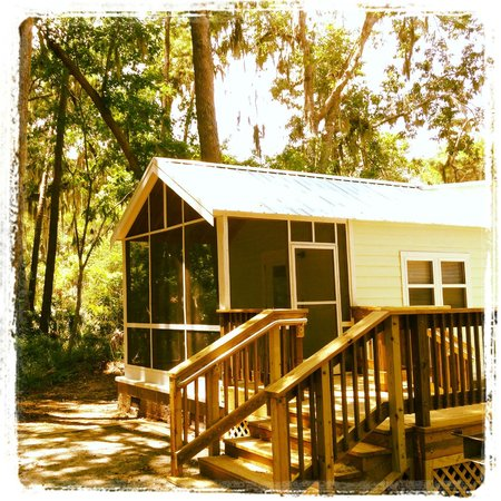 Skidaway Island State Park: 1 bedroom living room kitchen new and clean