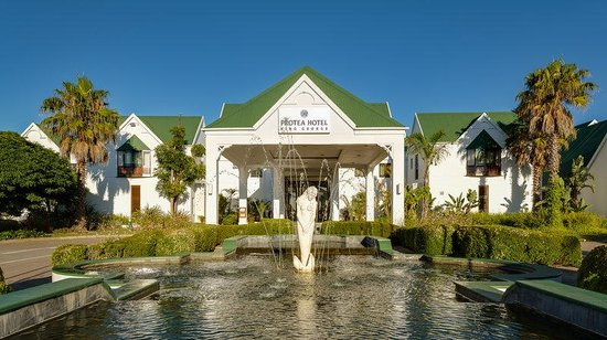 Protea Hotel by Marriott King George : Front exterior