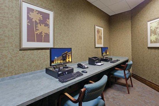La Quinta Inn & Suites Edgewood / Aberdeen-South: Business Center