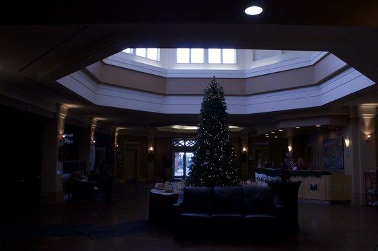 Executive Royal Hotel Calgary: Main Foyer
